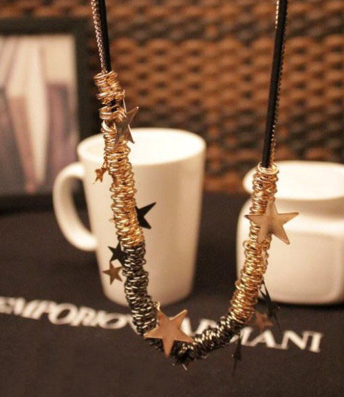 N-2325 New Fashion Multilayer Chains Golden Gun Black Rings Star Necklace