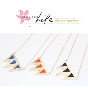 N-4580 New Arrival Fashion Golden Enamel Triangle A Row Pendant  Necklace