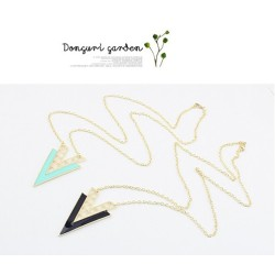 N-4514 New Fashion European Gold Plated Hollow Out Enamel Triangle Pendant Neckalce