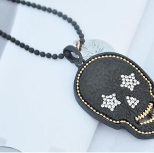 N-2841 New Korean Style Black Beads Chain Rhinestone Earphone Skull Pendant Sweater Necklace