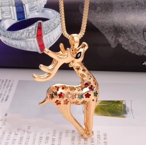 New Arrival Fashion Charming Goldern Hollowed Christmas Deer With Crystal Pendant Necklace For Gift N-3283