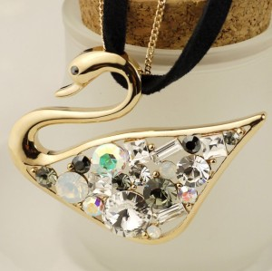 Charming Fashion Gold Plated Metal Hollowed Crystal Swan Pendant Double Chain Necklace N-3386