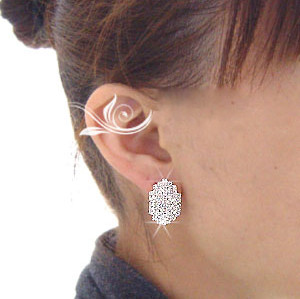 Charming Cute silver/gun black/Golg plated Metal rhinestone Beatles Ear Stud E-0016