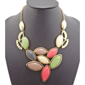 New Arrival Gold Plated Resin Choker Hollow Out Pendant Necklace N-0508