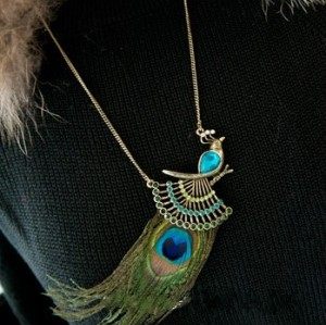 Vintage Bohemia Style  bronze Chain Metal crystal feather peacock  Necklace N-3274