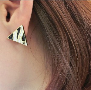 European Style Gold Plated Enamel Leopard Print Triangle ear stud E-2033