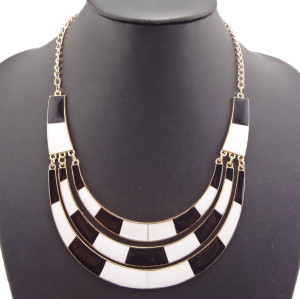 New Fashion gold plated Metal  black white enamel crescent choker NecklacE N-2090