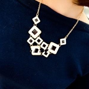 New European Fashion Black White Enamel Square Choker Necklace N-4553