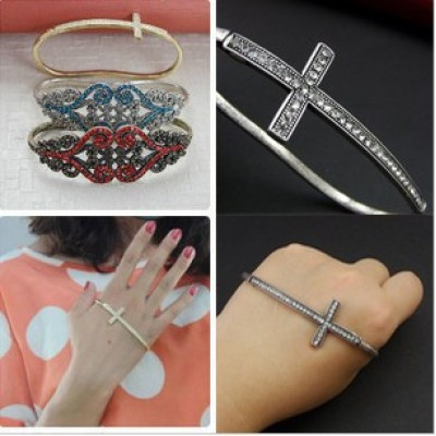 New European Punk Vintage Style Gold/Silver Plated Alloy Rhinestone Crosses Palm Anello Bangle B-0162