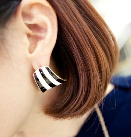 New European Style Gold Plated Enamel Arc-Shaped Dangle Earring E-1130