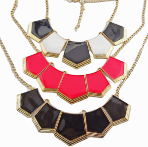 European Style Enamel Polygon Geometry Golden Pendant Necklace N-4561