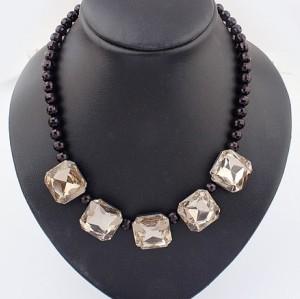 European Fashion Black Beads Cryatal Square  Choker Pendant Necklace N-0272