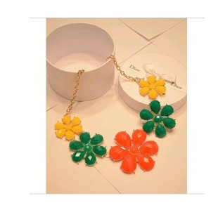 New Korean Colorful Flower Resin Acrylic  Gem Statement Necklace N-0162