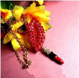 New Korean Style Fashion Golden Chain Red Rhinestone Lip Lipstick Pendant Necklace