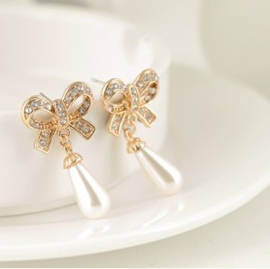 New Fashion Korean Style Gold Plated Boweknot Rhinestone Pearl Drop Ear Stud Earrings E-1686