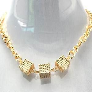 New Europe Style Gold  plated link chain cube pendant Choker Necklace N-4269