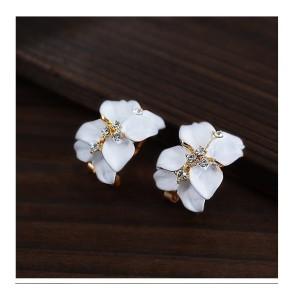 E-2111 New Korean  Style Pure Delicate Rhinestone Gardenia  Alloy Enamel Stud Earrings