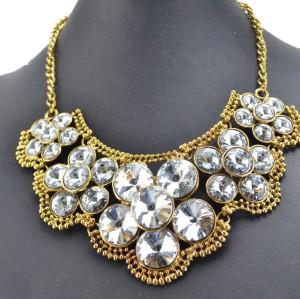 N-3095 European Vintage Gold Metal Charming Crystal Shinning Flowers Bib Pendant Necklace