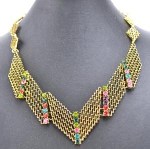 N-4278 European Vintage Gold Metal Hollow Out Rhombus Rhinestone Geometry Bib Pendant Necklace