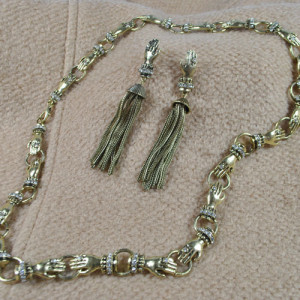 N-2912 Vintage Style Bronze Alloy Rhinestone Hands Chain Long Tassels Earrings Necklace Set