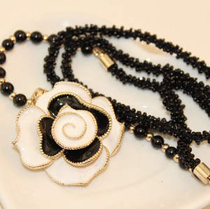 N-1652Fashion Korea style black beads Chain Rhinestone Enamel Rose Flower Pendant  Necklace