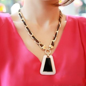 N-3582 European Style Black silk Gold Plated Link Chain Enamel Trapezoid  Pendant Necklace