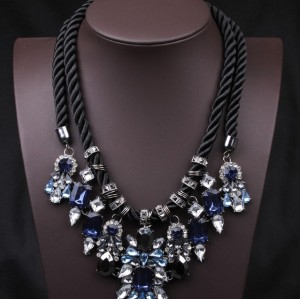 N-3590 European Style Gun Black Alloy  Double Chain Blue Red Square Drop Crystal Rhinestone Flower Necklace