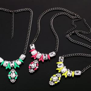 N-3588 European Style Gun Black Alloy Chain fluorescence color Resin Gem Crystal Flower Pendant Necklace