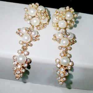 E-3041 Europe Style Gold Plated Alloy White Faux Pearl Clear Rhinestone Flower Dangel Stud Earrings
