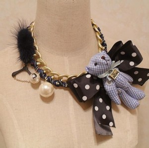 N-3618 Fashion Charming lovely Feather bowknot Bear Pendant Choker Necklace