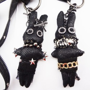 N-3617 Fashion Black Leather Zipper Chain Ribbit Charms Pendant Key Holder Necklace