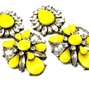 E-3058  European Style Bronze Alloy Drop Resin Gem Crystal Rhinestone Flower Stud Earrings