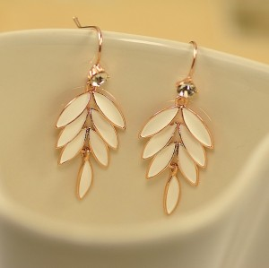 E-3069 Korea Style Gold Plated Alloy Clear Rhinestone Enamel Leaves Stus Earrings