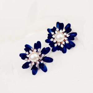 E-3071 Korea Style Blue Petal Clear Rhinestone Pearl Flower Studs Earrings