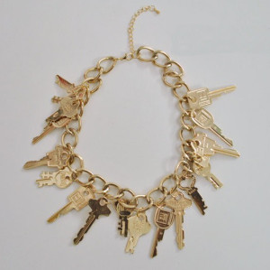 N-4866 Europe Style Gold Plated Alloy Lots Keys Tassels Pendant Necklace