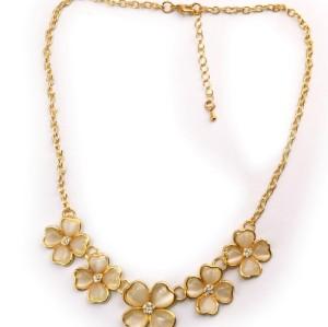 N-0168 Korea Style Gold Plated Alloy  Rhinestone Heart Opal Four Leaf Clover Necklace