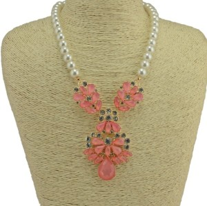 N-3781 European Style Gold Plated Alloy Pearl Chain Resin Rhinestone Leaves Flower Pendant Necklace