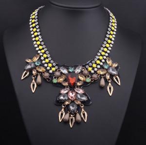 N-3792European Style Rhinestone Resin Gem Flat Chain Drop Crystal Flowers Leaves Choker Necklace