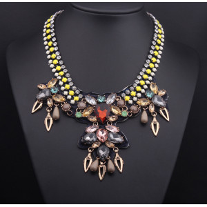 N-3792European Style Rhinestone Resin Gem Flat Chain Drop Crystal Flowers Leaves Choker Necklace