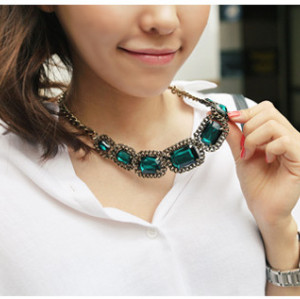 N-3825 2014 New Fashionable Bronze Plated Alloy Green Red Square Crystal Choker Necklace
