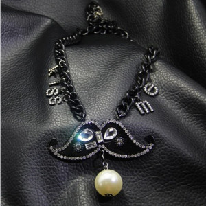 N-3821 New Fashion Black Alloy Chain Rhinestone Crystal Pearl Tassels Mustache Pendant Necklace