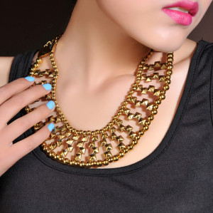 N-3830 Vintage Style Bronze Alloy Beads Rivets Shape Hollow Out Collar Necklace
