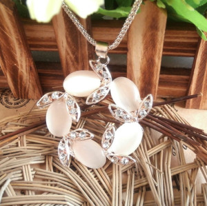 N-3826 Korea Style Gold Plated Alloy Rhinestone Gold Chain Cat's Eye Flower Pendant Necklace