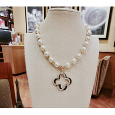 N-3837 Korea Style White Pearl Chain Crystal Rhinestone Clover Pendant Necklace