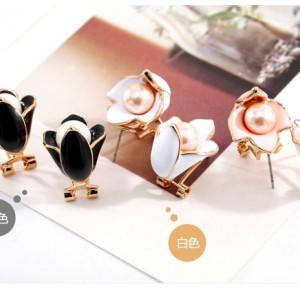E-3112 Korea Style Gold Plated Alloy  Enamel Pearl Magnolia Flower Ear Clip Ear Stud