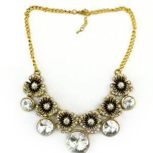 N-3903 Europe Vintage Style Rhinestone Crystal  Carving Flower Necklace