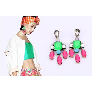 E-3137 Europe Vintage Style Bronze Alloy Resin Gem Crystal Dangel Earrings