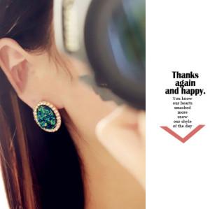 E-3180 Korea Style Gold Palted Rhinestone Crystal Blue Shiny Bling Oval Shaped  Stud Earrings