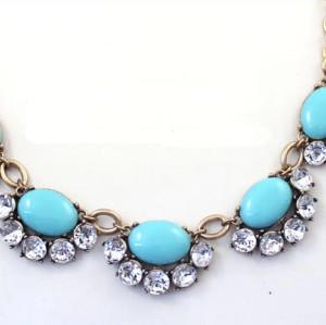 N-5015  Europea Style Golden Metal Crystal Resin Gem Flower Choker Necklace