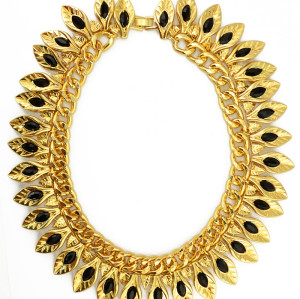 N-5036  Punk Style Thick Golden Chain Crystal Leaves Choker Necklace Insight Guides